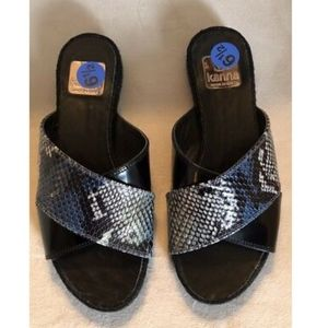 NWOB Kanna Blue And Black Sandals - Size 6.5